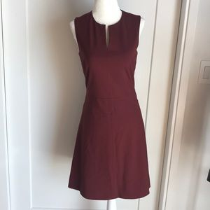 Theory burgundy sleeveless dress F.❤️